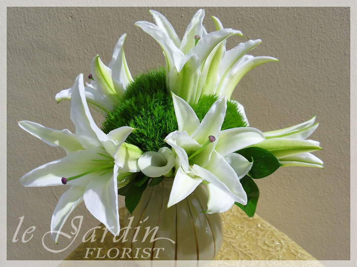 White green florals by flower synergy palm beach gardens 561 627 8118 custom made upscale white flower arrangements mightylinksfo